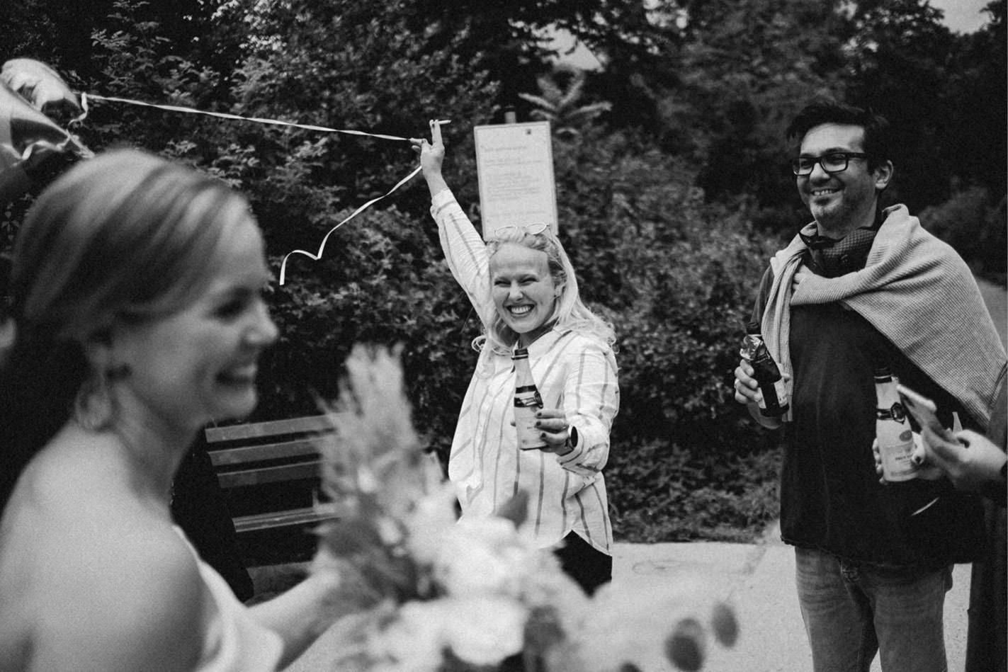 Als Hochzeitsfotograf Düsseldorf waren wir bei der Hochzeit am Standesamt Düsseldorf
